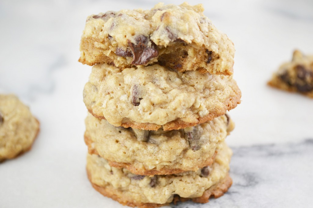 Chocolate Chip Oatmeal Cinnamon Cookies | imPECKableeats.com