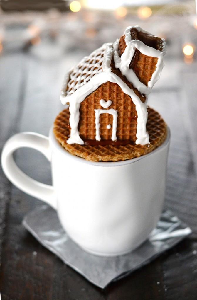 Stroopwafel House Mug Topper