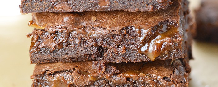 Double Layer Caramel Brownies | impeckableeats.com