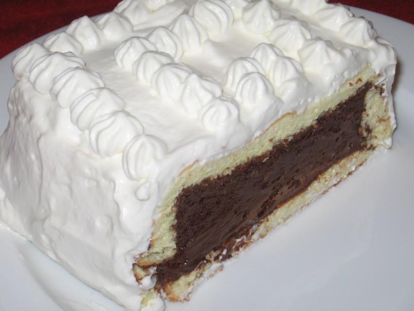 Chocolate Velvet Cake Slice
